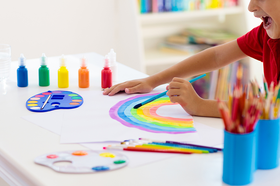10 Art Therapy Activities for Kids With Special Needs